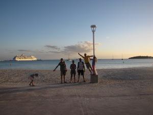 Philipsburg, St. Maarten, med Vela og gast Christian
